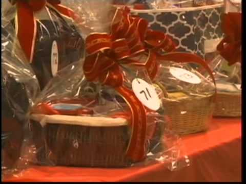 Basket auction helps raise money for Ottumwa Christian School