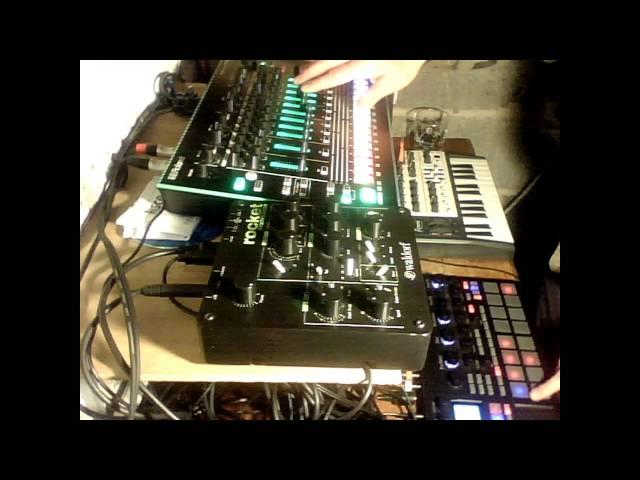 BGR - Waldorf Rocket Man - Techno Deep House Jam - Korg Electribe Sampler - TR-8 - Microbrute
