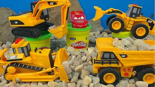 CAT Project Construction mighty machines jobsite Hot Wheels Mega Hauler Bulldozer Excavator Fron