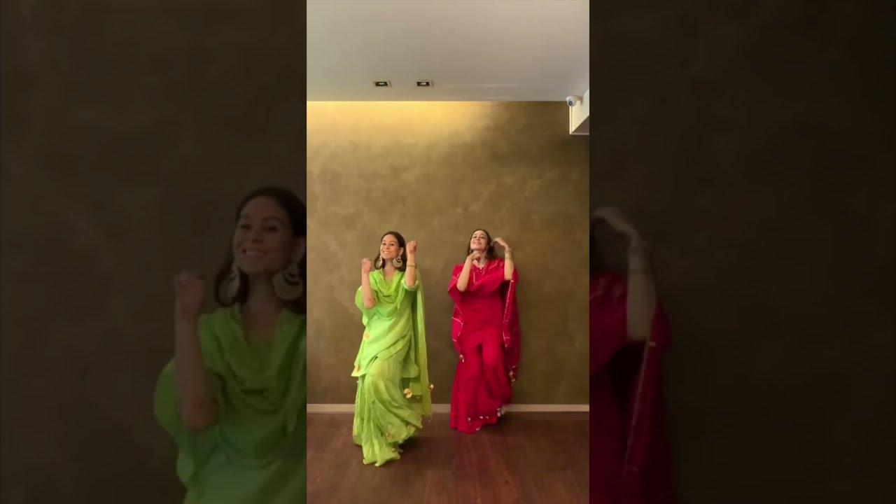 "Easy Choreography On ""Mehendi Hai Rachne Wali"" #shorts"