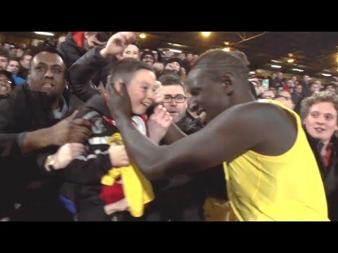 Mamadou Sakho treats Liverpool fan | Inside Access