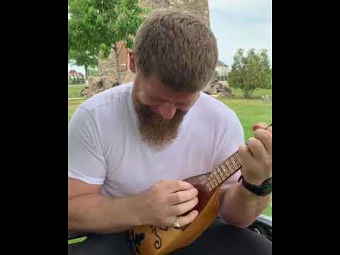 РАМЗАН КАДЫРОВ|Играет на Пондаре