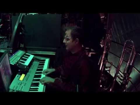 Teeterboard - Cirque du Soleil - Kooza Bandleader