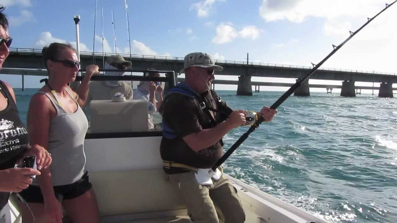 Monster shark attacks fishing boat florida keys youtube for Shark fishing in florida
