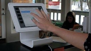10 طرق يمكن بها لأجهزة iPad أن تحول طريقة البيع في متاجر التجزئة