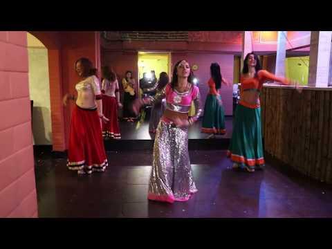 Crazy Kiya Re / Dhoom 2 / Dance group Lakshmi / Bollywood evening in Karachi darbar restaurant