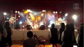2012年10月12日に愛知県立豊橋西高等学校の体育館で行われたAV169のミニ...