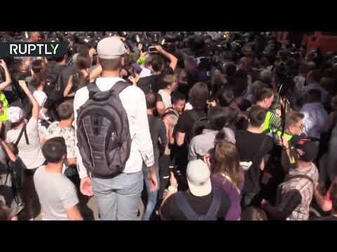 Несогласованный митинг в Москве в поддержку не допущенных до выборов кандидатов в Мосгордуму
