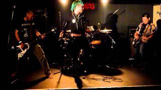 横濱ハードコアバンド、ヒルゲリラのライブ@早稲田ZONE-Bです。 《雑食...