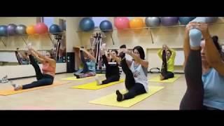 Тренировка в фитнес клубе Сафари