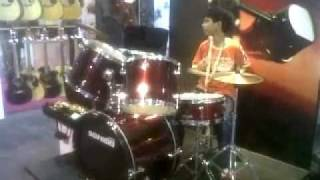 5. SONIDO Exhibit in Palm Expo 2011 June 2-4 Mumbai A 8year old boy on drum!!!