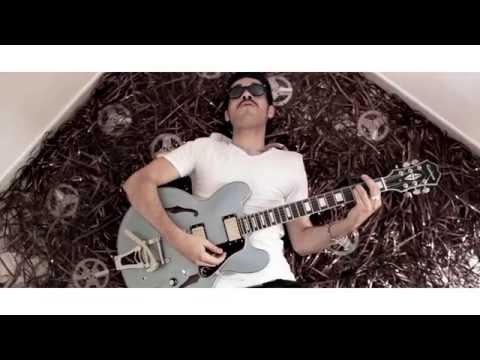 DE FATIO - ASTRONAUTA videoclip 2015   NEW