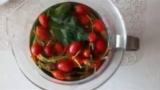 Чай из шиповника и листьев лесной смородины.
