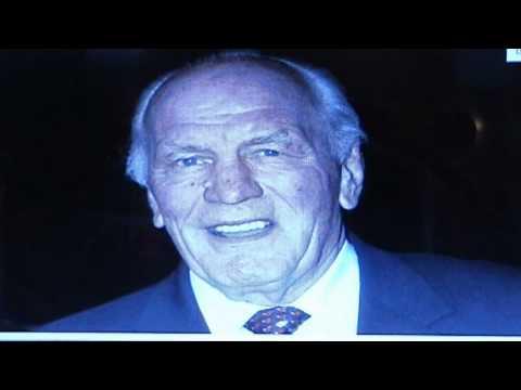 British Boxing Legend Sir Henry Cooper Dies