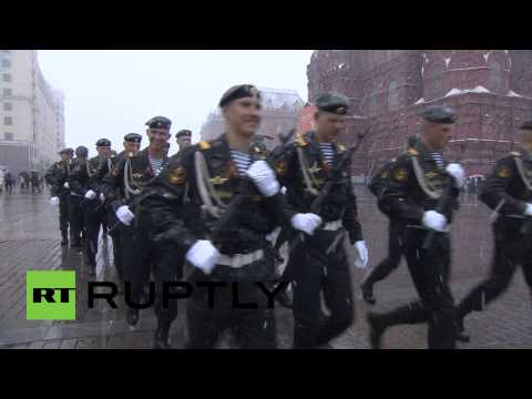 Video: Spring snow hits Moscow during Victory Day rehearsal