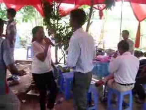 Dam Cuoi Soc Trang ( Thi Tran Chau Thanh) Cay Cau Dua