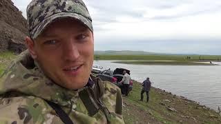 АКТИВНЫЙ КЛЁВ КАРАСЯ НА УДОЧКУ в обмелевшем заливе Рыбалка в июне по поплавок