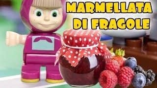 MASHA E ORSO ITALIANO Episodio 23 - Il pollice verde di Masha, un dolce raccolto di fragole!