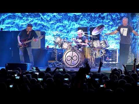 Deep Purple - Sometimes I Feel Like Screaming / Uncommon Man ( Moscow, 30.05.2018)