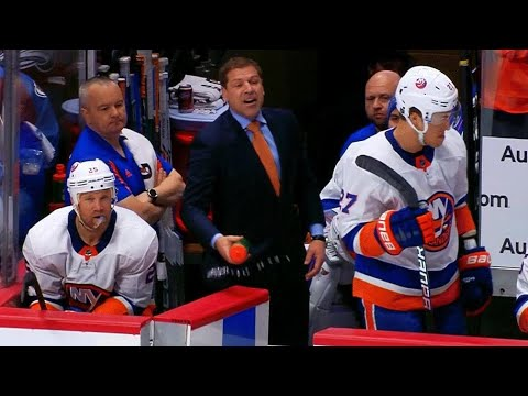 Islanders head coach Doug Weight tossed for verbally abusing officials
