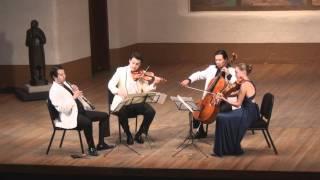 Play Quartet for oboe, violin, viola & cello in F major, K. 370 (K. 368b)