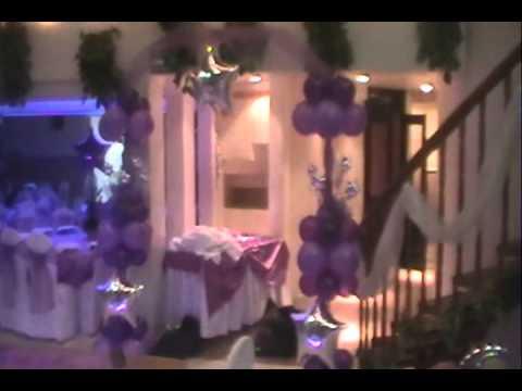 Decoracion con globos xv a os youtube for Decoracion con globos 50 anos