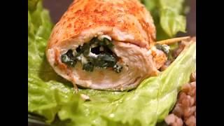Рецепт куриного рулета с брынзой и шпинатом | Курица, начиненная сыром и зеленью