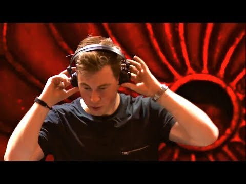 Hardwell & W&W ft  Fatman Scoop - Don't Stop The Madness