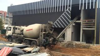 Доставка бетона в Бобруйске.Заливка раствора 2 этаж.Новый торговый центр 08.10.15(Продажа и доставка бетона в Бобруйске. http://www.rds-centr.com/ «РДС-ЦЕНТР» работает круглосуточно и предлагает его..., 2015-10-09T08:13:19.000Z)