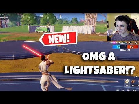 NEW LIGHTSABER Gameplay in Fortnite! STAR WARS LIVE Event REACTION!! |