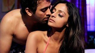 Ekaansh & Leena Sexy Sheen in  Madmast Barkha