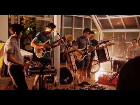"Download lagu terbaru Jirapah - ""Lapang"" (live) di ZingLagu.Com"