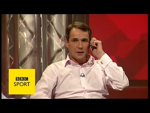 Alan Hansen's phone rings during Match of the Day - BBC Sport