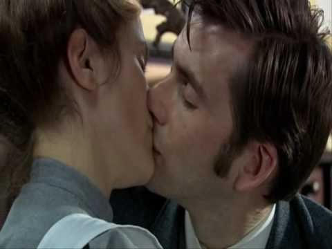 dr who kissing scenes