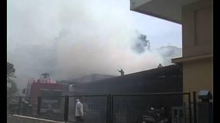 φωτιά σε κατοικημένη περιοχή