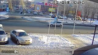 فيديو.. سيارة مسرعة تطيح بأحد المارة بشكل عنيف في روسيا