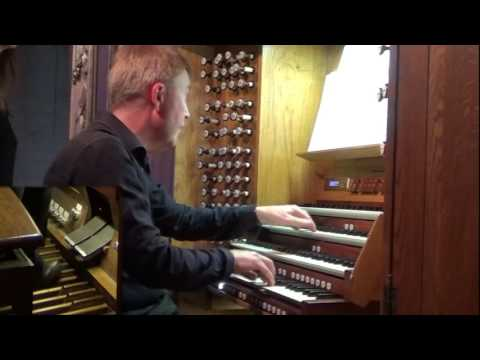 Kemp English plays Mons Leidvin Takle - The organ is dancing