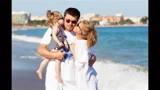 Кристина Асмус и Гарик Харламов вместе с дочкой посетили Диснейленд во Франции