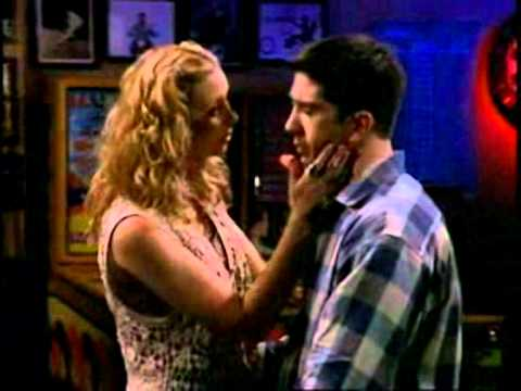 Friends - The one with the Flashbacks, Ross and Phoebe kissing
