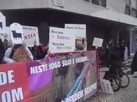 PROTESTO CONTRA A TOURADA -ANIMAL - 17-02-2013 - LISBOA - video XII Vídeos De Viagens