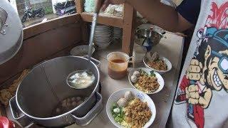 Jakarta Street Food 4219 Part.1 Mie Ayam Bakso Trisno Cipinang Lonntar jakarta Timur  YDXJ0724