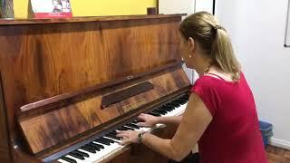 Professora Luciana Massaro - Piano