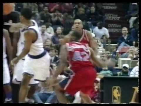 Rod Strickland no look pass to Chris Webber