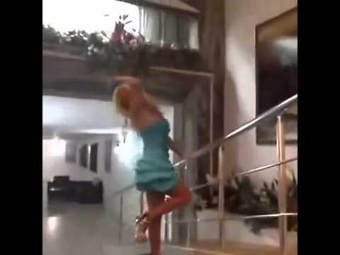 Esra Ceyda Cicişlerin En Sexy Vineleri   Türk Vine