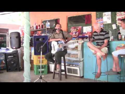 Hugo Varela, Humor, Festival de Viña 2005 from YouTube · Duration:  35 minutes 45 seconds