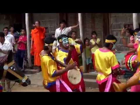 Khmer Xoai Thum បុណ្យកឋិនទានវត្តស្វាយសៀមចាស់ ២០១៣