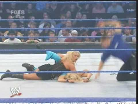 Beth Phoenix and Victoria vs Mickie James and Torrie Wilson - SmackDown! 11-16-07