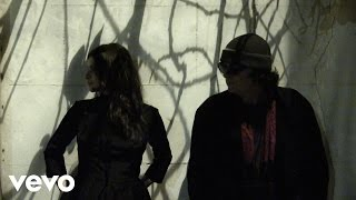 Watch Mazzy Star California video