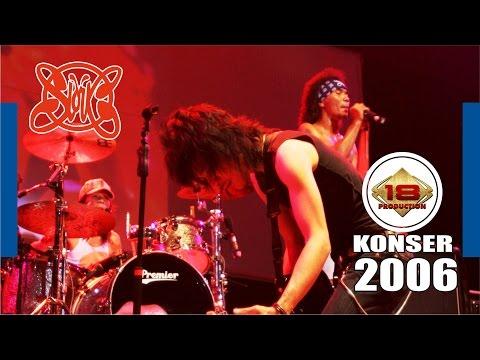 SLANK  GILA...!!! Lagu Yang Bikin Semangat Slankers (LIVE KONSER 2006)
