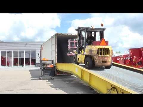 TMR mixer feeder shipping overseas to USA  - Trioliet